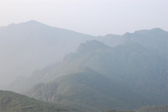 本谷山への縦走尾根