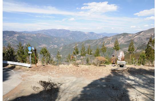 飯干峠から眺める椎葉谷