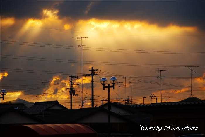西条市の夕景色 天使のはしご 愛媛県西条市富士見町 2010年8月5日