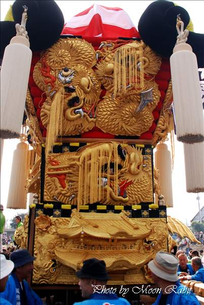 飯積神社祭礼・渦井川原かきくらべでの岸影太鼓台の飾り幕 新居浜市大生院 西条祭り2010 2010年10月17日