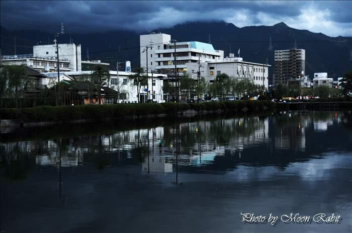 西条藩陣屋跡(西条高校)お堀端の夕景 愛媛県西条市 2010年12月14日