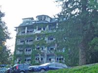 ブレッド湖前のホテル