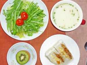 チキンと玉子のサンドイッチ,グリーンサラダ,ポテトスープ,キューイフルーツ