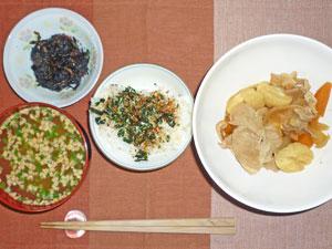 ふりかけご飯,肉じゃが,ひじきの煮物,納豆のみそ汁