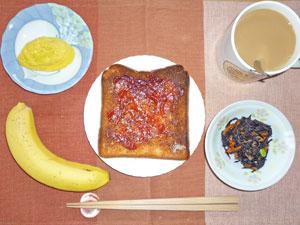 ジャムトースト,ヒジキの煮物,プチオムレツ,バナナ,コーヒー