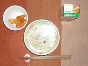 コンソメスープ,鶏肉と玉ねぎのトマト煮込み,野菜ジュース