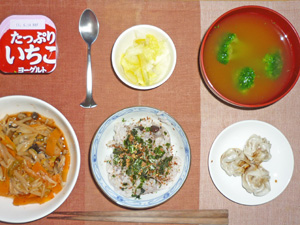 ふりかけご飯,モヤシとニラのキムチ炒め,シュウマイ,白菜の漬物,ブロッコリーのみそ汁,ヨーグルト