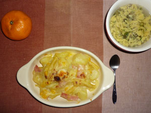 ポテトグラタン,玉子スープ,ミカン