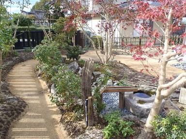 舗装名人 庭の通路2