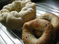 白パンとベーグル