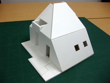 Aug03,11_r-model_01
