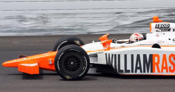 Dan-Wheldon-Wins-the-Indy-500_4.jpg