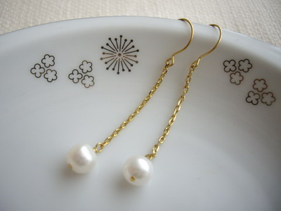 chain&pearl earrings