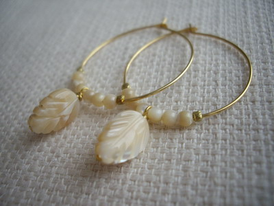shell leaf hoop earrings