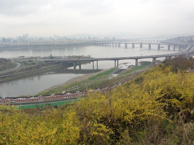 2013年4月20日 鷹峰山 漢江を臨む