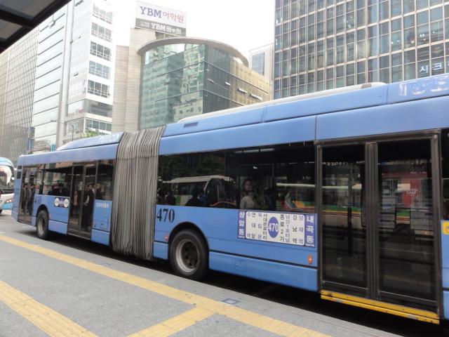 2013年5月 2両編成バス