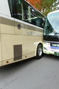 バスの接触現場