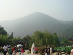 驪山を眺める