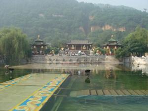 華清池の池