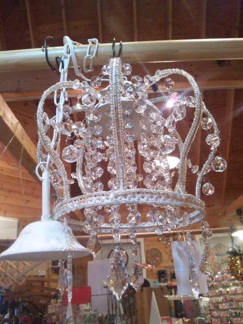 王冠型シャンデリア