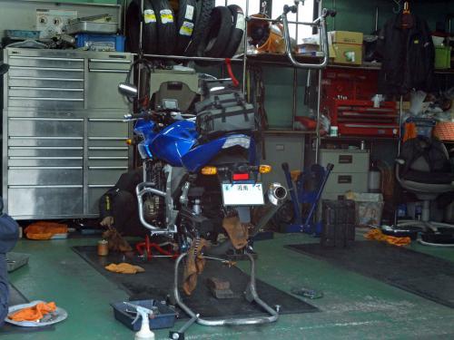 moto120402.jpg