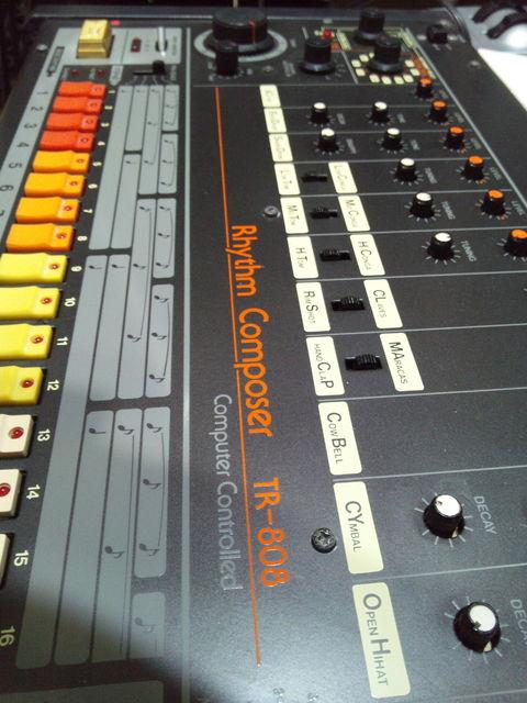 TR808