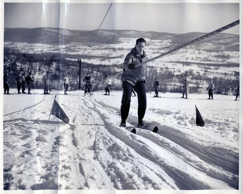 Vernon Ski Tow 046_R
