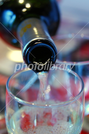 2788114 グラスに注がれるワイン