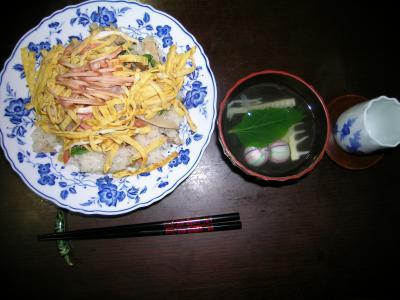 シャケとフキとマツオオジのちらし寿司