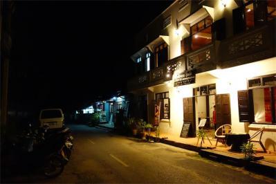 LuangPrabang201306-310