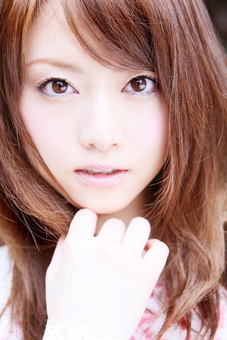 【No.3】 綺麗な瞳 / 吉沢明歩