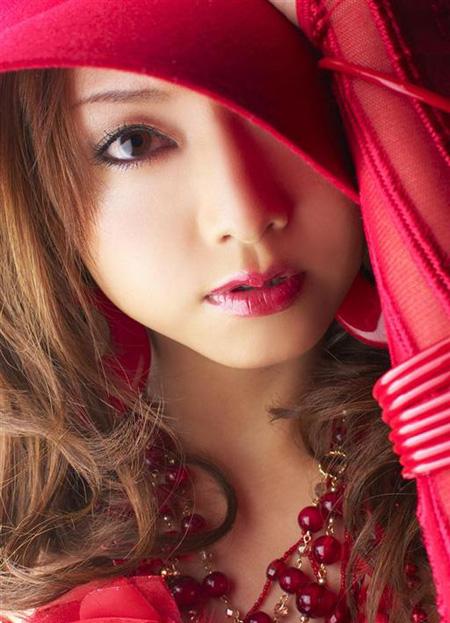 【No.17】 赤の誘惑 / 吉沢明歩
