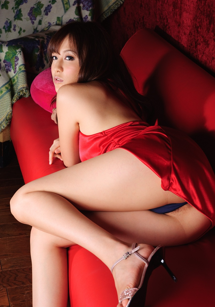 【No.1719】 エッチなドレス / 渚ことみ