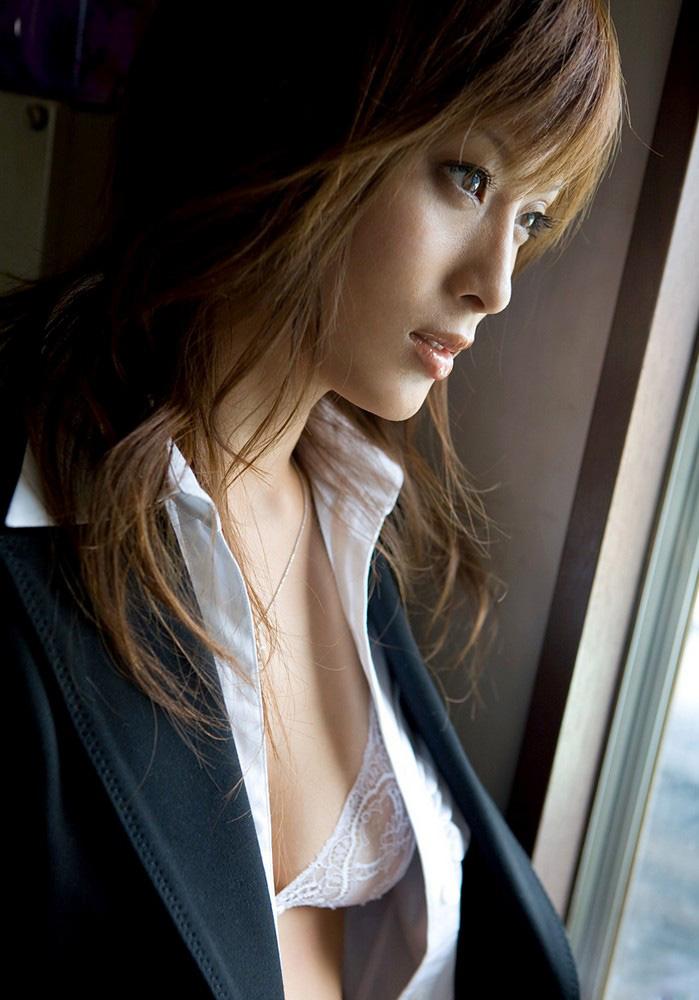 【No.240】 見つめる / 美竹涼子