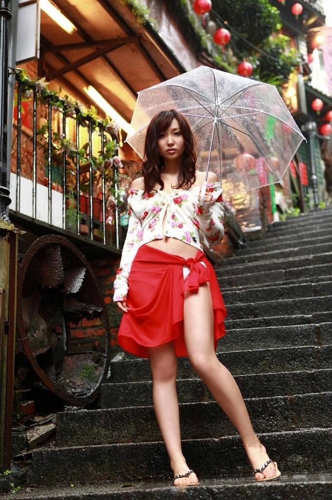 【No.673】 雨の日 / 吉木りさ