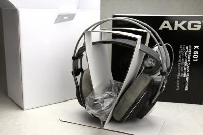 AKG K601 箱の中