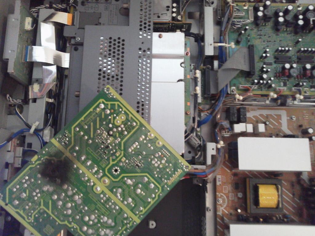 入ら テレビ が の ない 電源 実家のテレビ、日立のWoooが壊れたので自力で修理する事に!