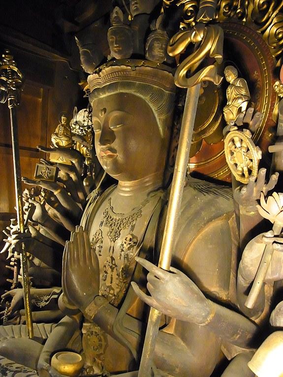太江寺・十一面観音坐像側面