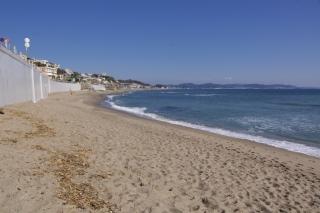 江島道:腰越側から七里ヶ浜の眺め