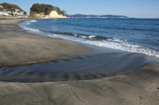 江島道:音無川が海に流れ出る