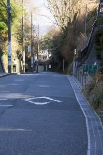 江島道:極楽寺坂は現在は成就院の手前から下る