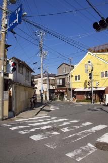 江島道:長谷観音・大仏方面に曲がる