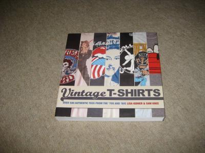洋書のTシャツの本