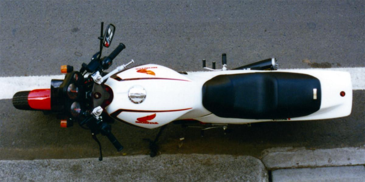 HONDA_VT250F_oiwa_H2.jpg