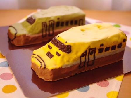 新幹線のクリスマスケーキ2種