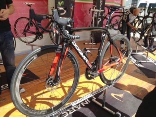 2014-pinarello-dogma-disc-brake-road-bike-600x450.jpg
