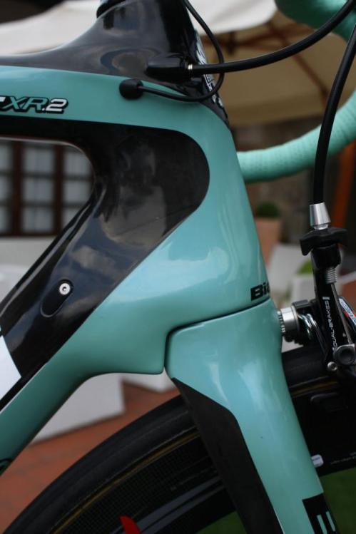 Bianchi20Oltre20XR220Campagnolo20Super20Record20EPS2006.jpg