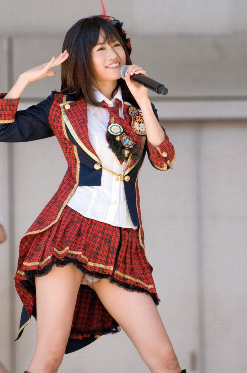 AKB48を純粋にエロ目線でまとめたらパンチラやら放送事故が大量総まとめ