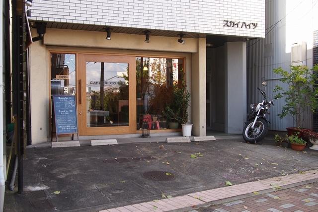 cafe de cornu駐車場002