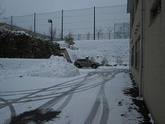 一回目の除雪を行いました。